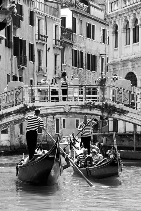 gondoliers γονδολών τουρίστες στοκ εικόνες