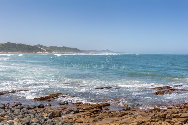Gonubie-Strand in Südafrika lizenzfreie stockfotos