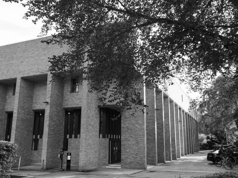 Gonville ed istituto universitario Harvey Court di Caius a Cambridge in bianco e nero immagine stock libera da diritti