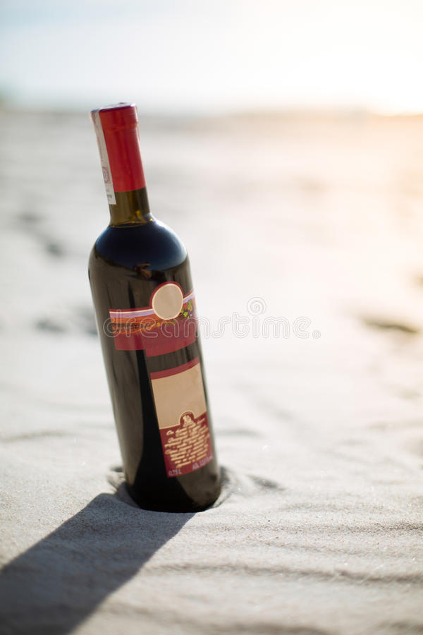 Free Good Bottle Of Wine On The Beach In The Sun Stock Photos - 68804993