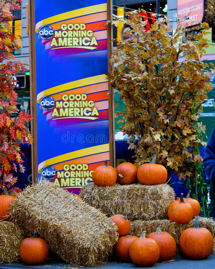 Good Morning America. American Television show Good Morning American does a live broadcast from outside in Times Square, Manhattan, NYC stock images