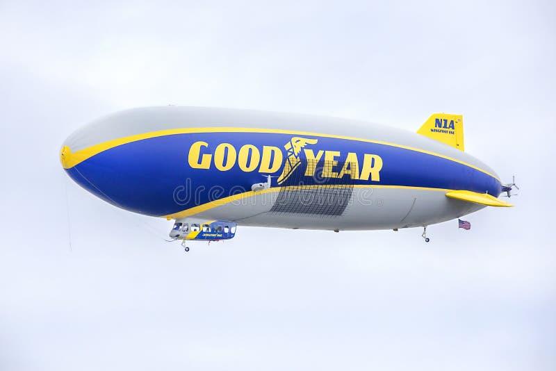 goodyear的软式小型飞艇 库存图片