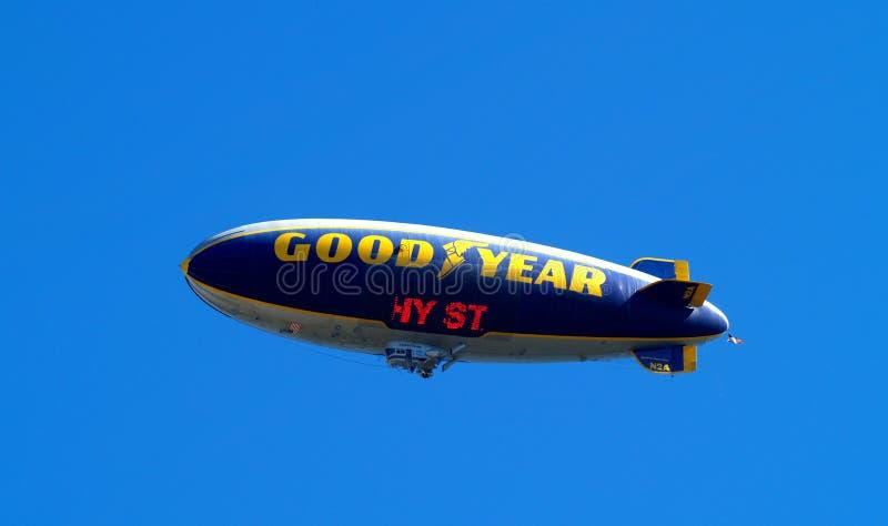 goodyear的软式小型飞艇 库存照片