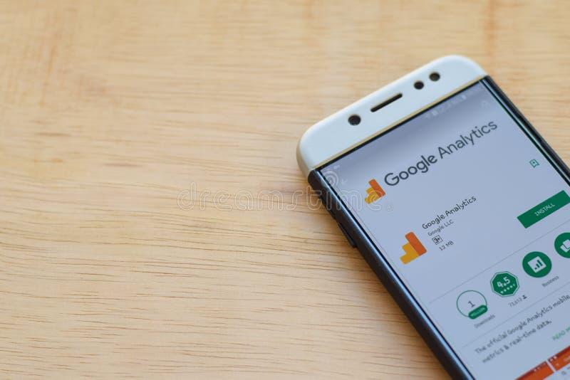 Google Analytics dev zastosowanie na Smartphone ekranie obrazy royalty free
