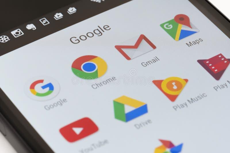 Google apps στο αρρενωπό τηλέφωνο στοκ εικόνες