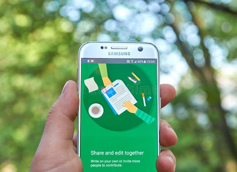 Google doc. app fotografía de archivo