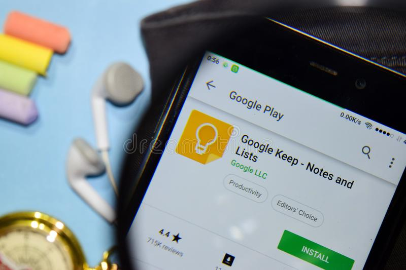Google Keep - Notes and Lists dev app with magnifying on Smartphone screen. BEKASI, WEST JAVA, INDONESIA. DECEMBER 17, 2018 : Google Keep - Notes and Lists dev stock image