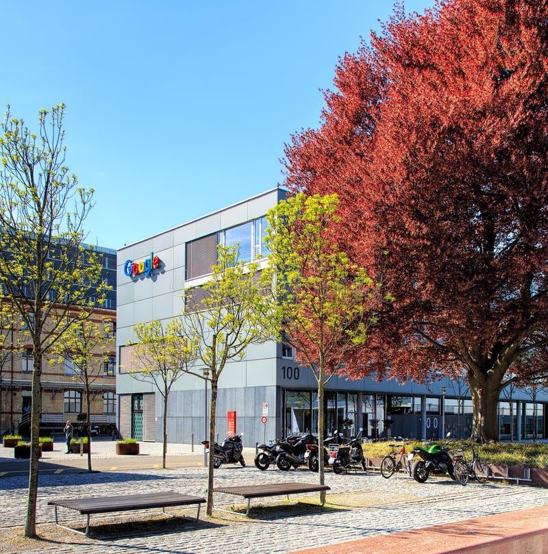 Google kontorsbyggnad i Zurich, Schweiz royaltyfria foton