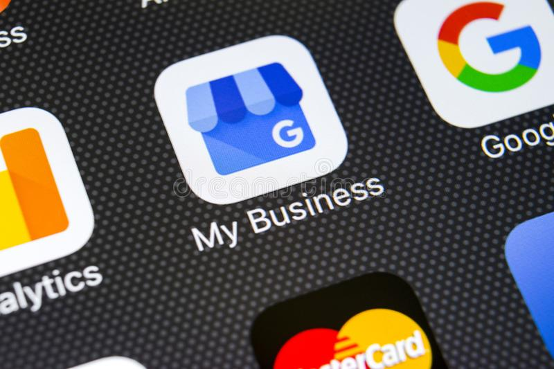 Google la mia icona di applicazione gestionale sul primo piano dello schermo di iPhone X di Apple Google la mia icona di affari G immagini stock libere da diritti