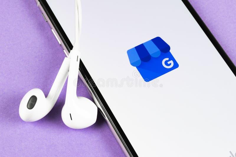 Google M?j Biznesowego zastosowania ikona na Jab?czany X iPhone parawanowym zako?czeniu Google M?j Biznesowa ikona Google M?j biz fotografia royalty free
