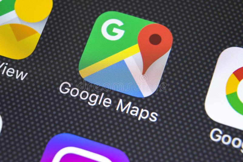 Google Maps-Anwendungsikone auf Apple-iPhone X Schirmnahaufnahme Google Maps-Ikone Google- Mapsanwendung Vernetzungskonzeptfoto d lizenzfreies stockfoto