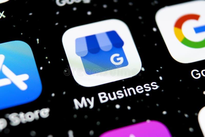 Google meu ícone da aplicação empresarial no close-up da tela do iPhone X de Apple Google meu ícone do negócio Google minha aplic imagem de stock royalty free