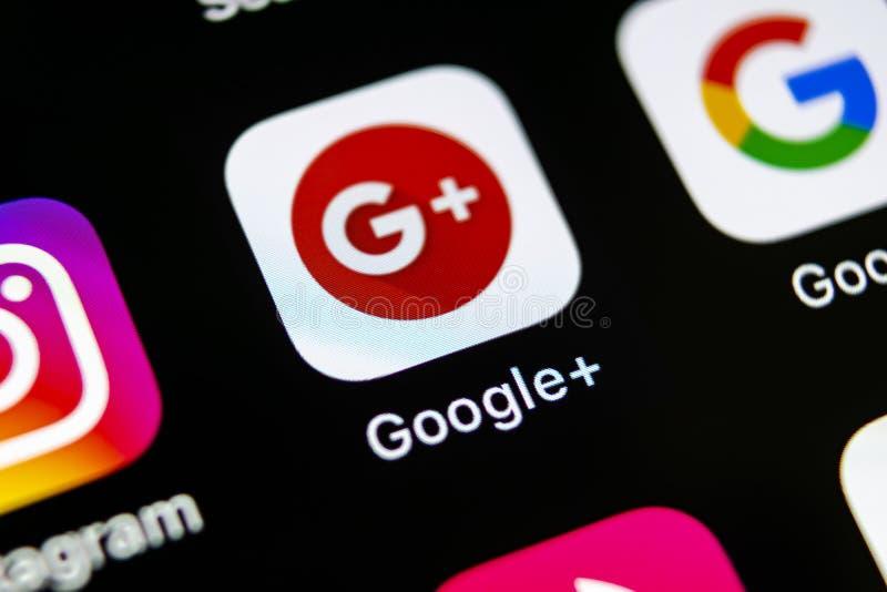 Google plus toepassingspictogram op Apple-iPhone X het close-up van het smartphonescherm Google plus app pictogram Google+ Sociaa stock afbeelding