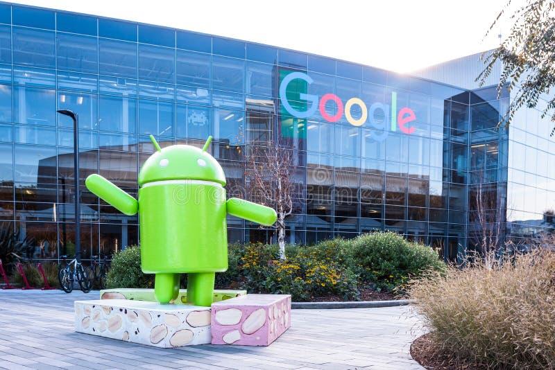 Googleplex - jefaturas de Google con la figura de Android fotografía de archivo