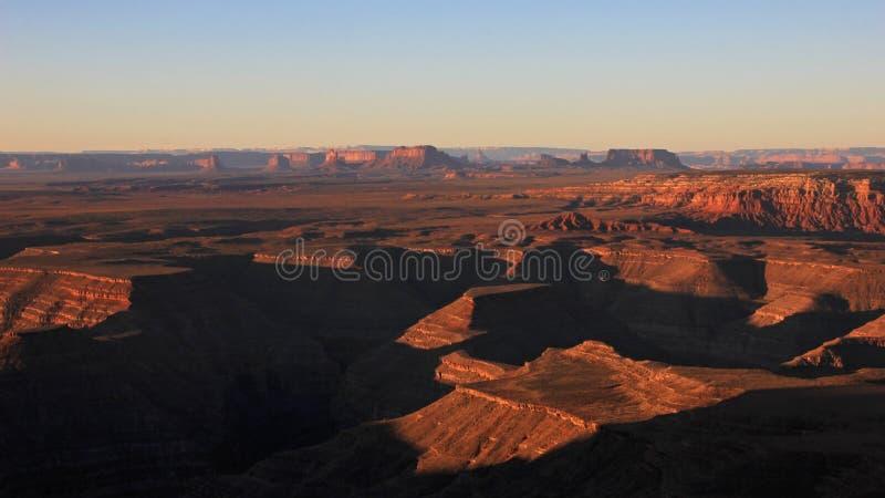 Goosenecks-Nationalpark und Monument-Tal, Ansicht vom Muley-Punktrecht nach Sonnenaufgang, USA stockbilder