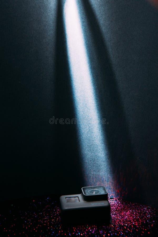 GoPro bohatera 5 akci cyfrowa kamera w świetle reflektorów zdjęcie royalty free
