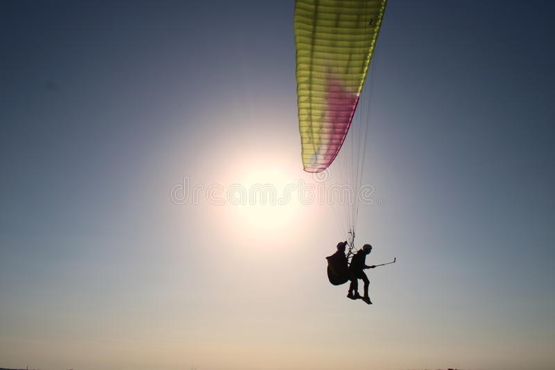 Gopro do tandem do parapente fotos de stock royalty free
