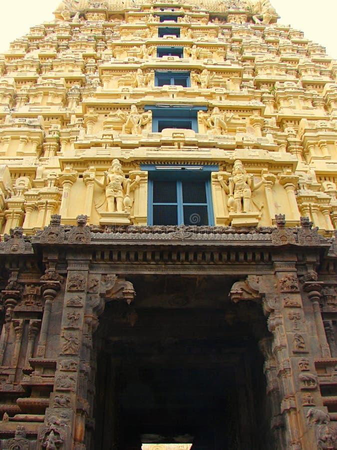 Gopura Gopuram - une porte dans des temples hindous de style de Dravidian photo libre de droits