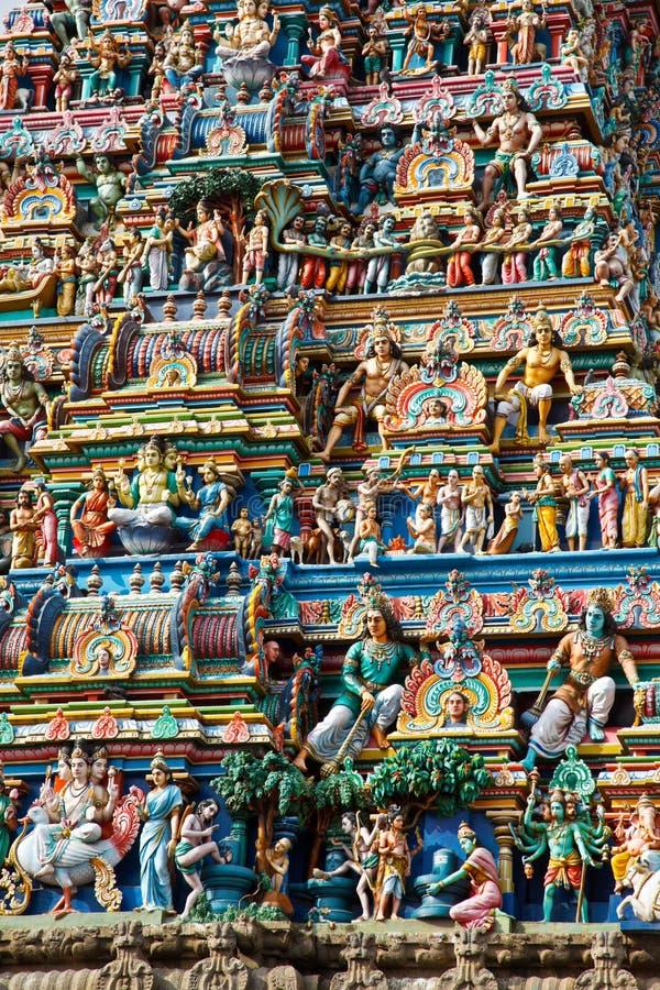 Gopuram (Kontrollturm) des hinduistischen Tempels stockfoto