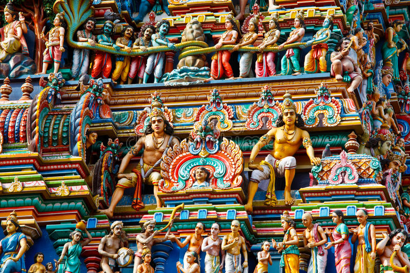Gopuram (torretta) del tempiale indù fotografia stock libera da diritti