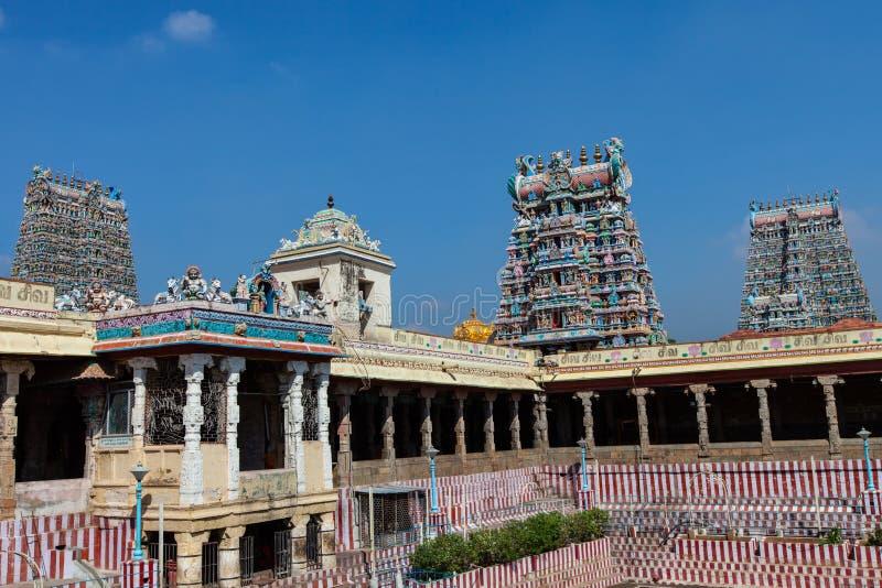 Gopurams do templo de Meenakshi imagens de stock royalty free