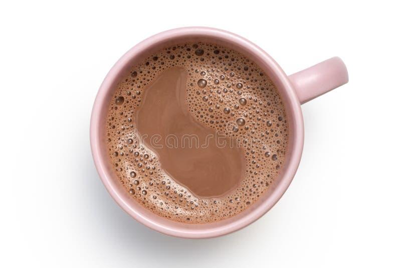 Gorąca czekolada w różowym ceramicznym kubku odizolowywającym na bielu z góry obrazy royalty free