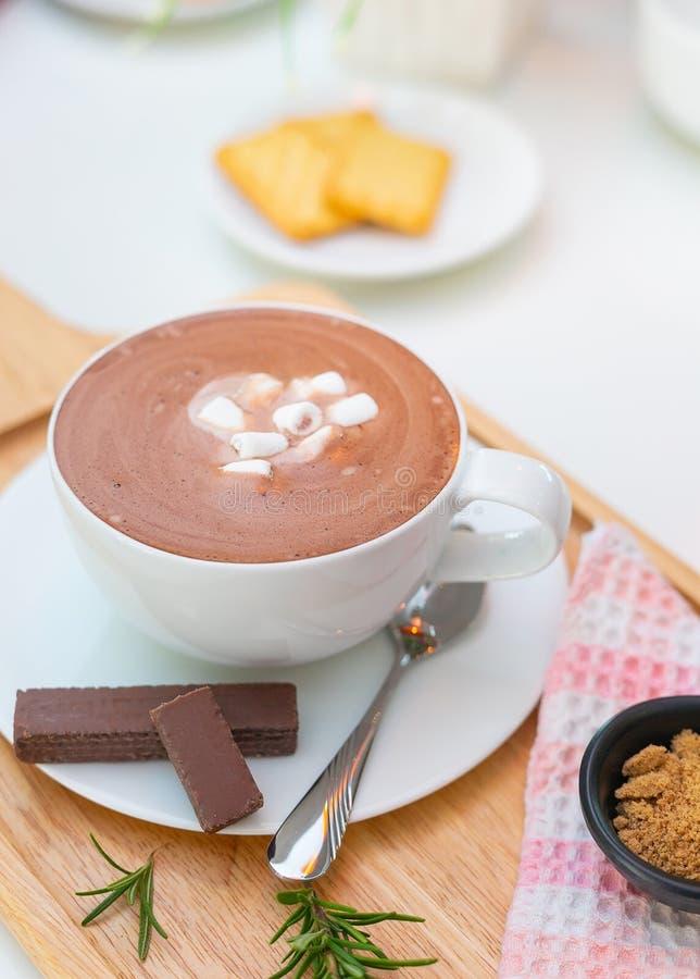 Gorąca czekolada z deseru barem zdjęcie stock