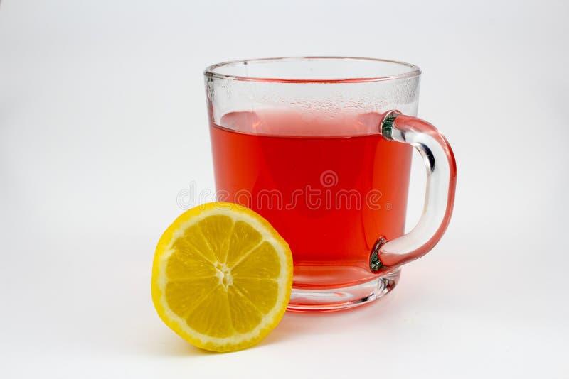 Gorąca owocowa herbata z cytryna plasterkami zdjęcie royalty free