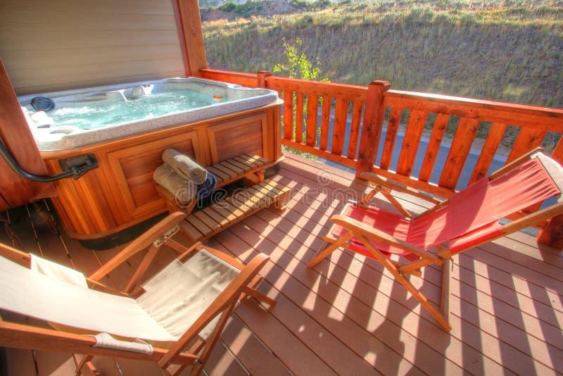gorąca wanna na patio zdjęcie royalty free