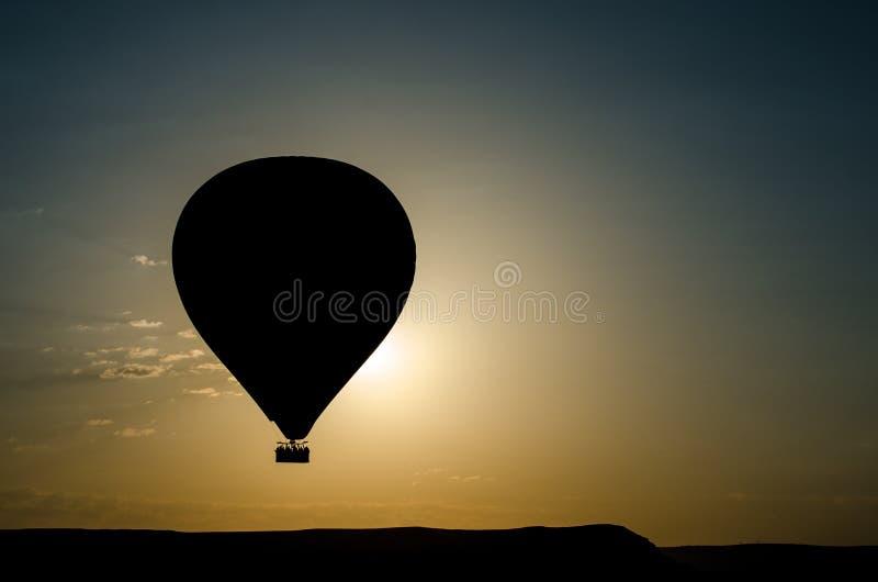 Gorące powietrze balonowa sylwetka zdjęcia stock