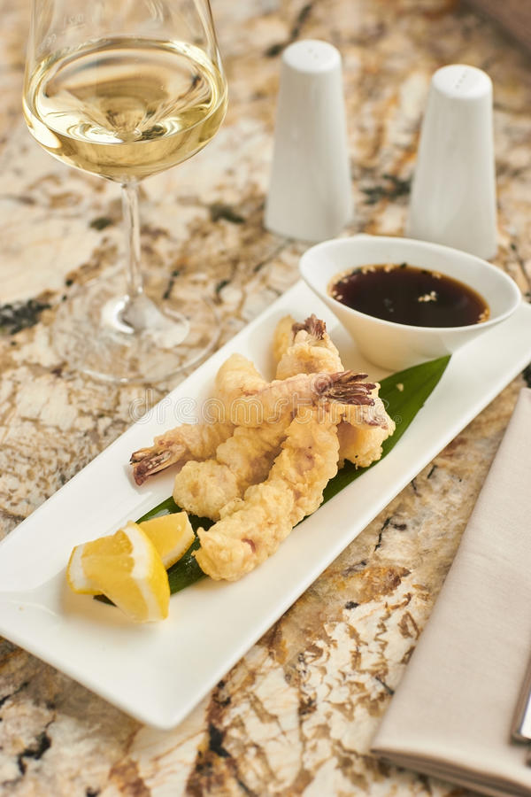 Gorący crispy krewetki tempura z kumberlandem obraz royalty free