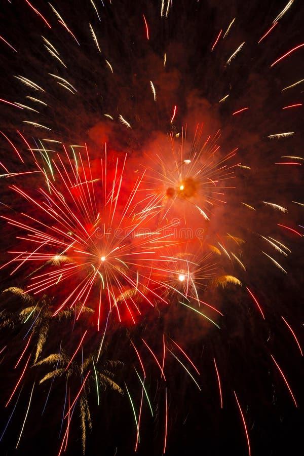 Gorący Ogniści Wybuchowi Kolorowi fajerwerki zdjęcie stock