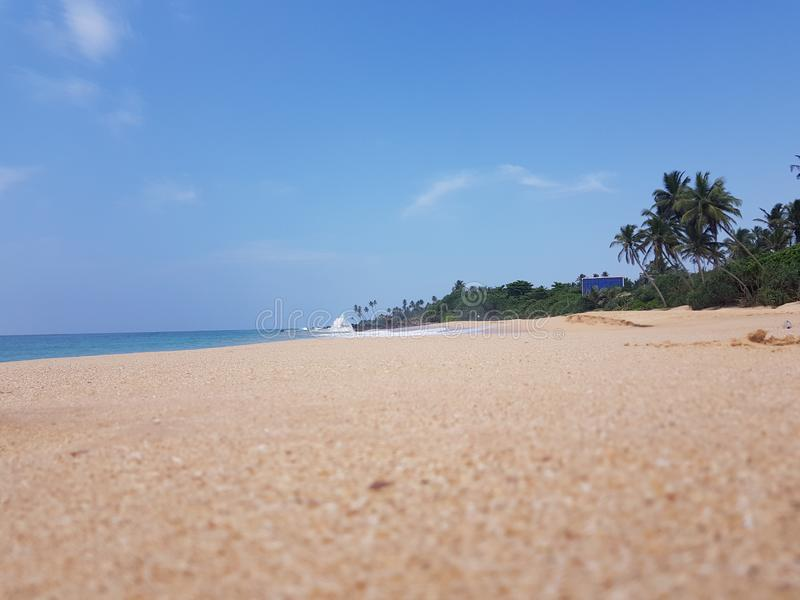 Gorący piasek na plaży oceanem fotografia stock