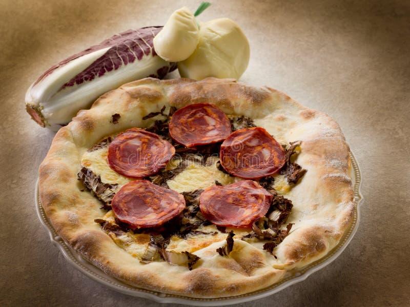 gorący pizzy salami scamorza zdjęcia stock
