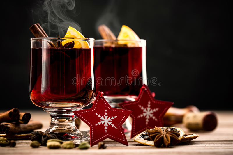 gorący rozmyślający wino zdjęcia stock
