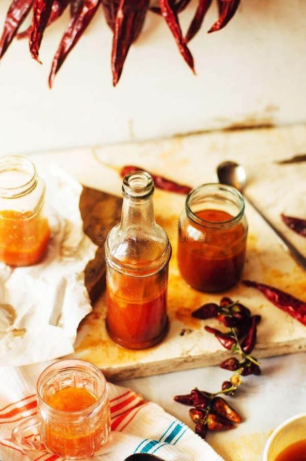 Gorący słodki chili kumberland nad starym białym drewnianym tłem Rus zdjęcie stock