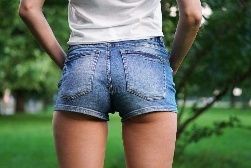 Gorących spodń lub łupów skrótów mody trend zdjęcia royalty free