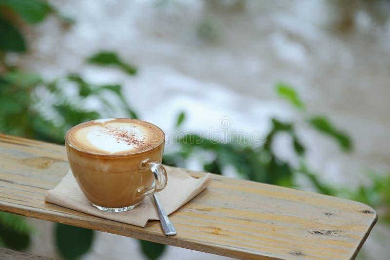 Download Gorąca kawa obraz stock. Obraz złożonej z smak, spodeczek - 57662031
