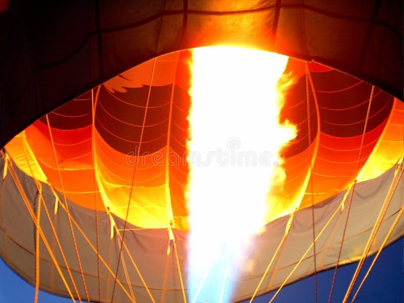 Download Gorąca noc zdjęcie stock. Obraz złożonej z gorący, arkany - 41788
