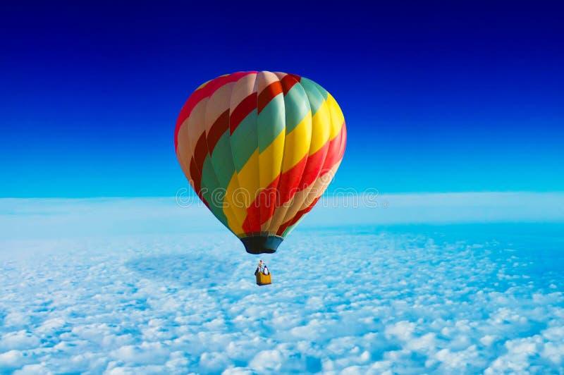 Download Gorący lotniczy balon zdjęcie stock. Obraz złożonej z niebo - 13340348