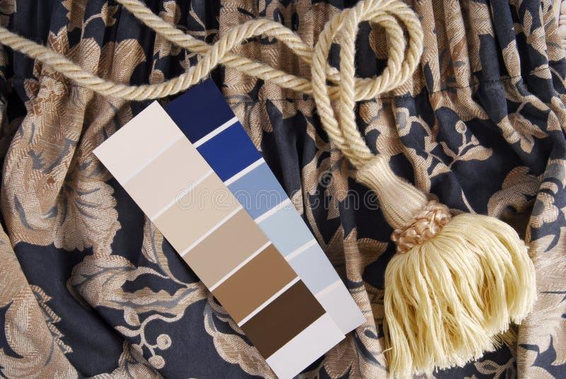 Gordijn en kleurenkeus voor binnenland royalty-vrije stock foto