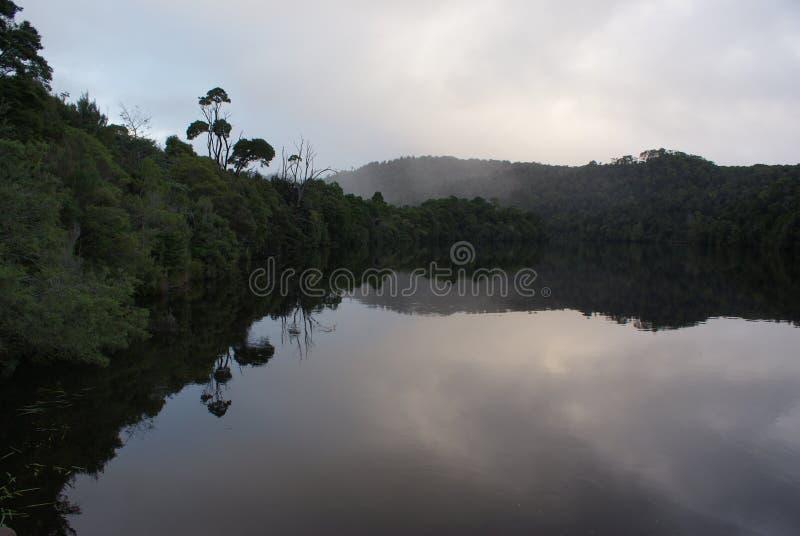 Gordon Rzeczni odbicia w Tasmania zdjęcia stock