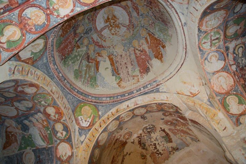 Goreme, κοιλάδα Zemi, Cappadocia, Ανατολία, Τουρκία: Εσωτερικό του ναού Εκκλησία EL Nazar Μοναδική ζωγραφική με τις σκηνές από στοκ φωτογραφίες με δικαίωμα ελεύθερης χρήσης