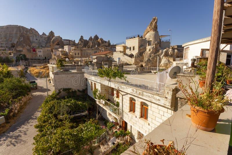 GOREME, ΤΟΥΡΚΊΑ: Παλαιοί βράχοι που χρησιμεύουν ως τα σπίτια και τα ξενοδοχεία για τους τουρίστες Το Goreme είναι πόλη σε Cappado στοκ φωτογραφίες με δικαίωμα ελεύθερης χρήσης