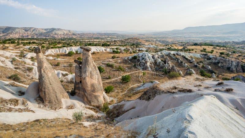 Goreme-Dorf, die Türkei Ländliche Cappadocia-Landschaft Steinhäuser von Cappadocia stockfotos