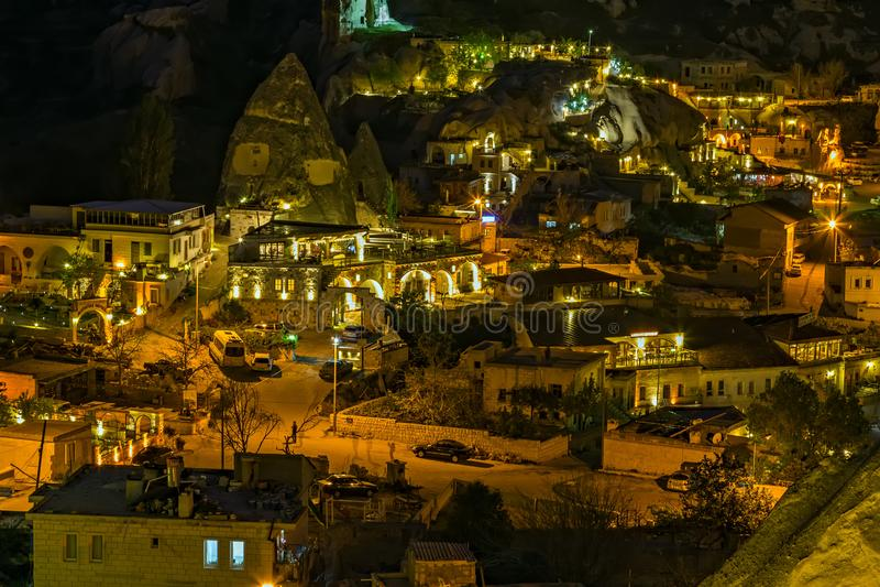 Goreme-Nachtzeit-Felsenöko-haus, Hotelhöhlenstadt Cappadocia, die Türkei, Anatolien stockbild