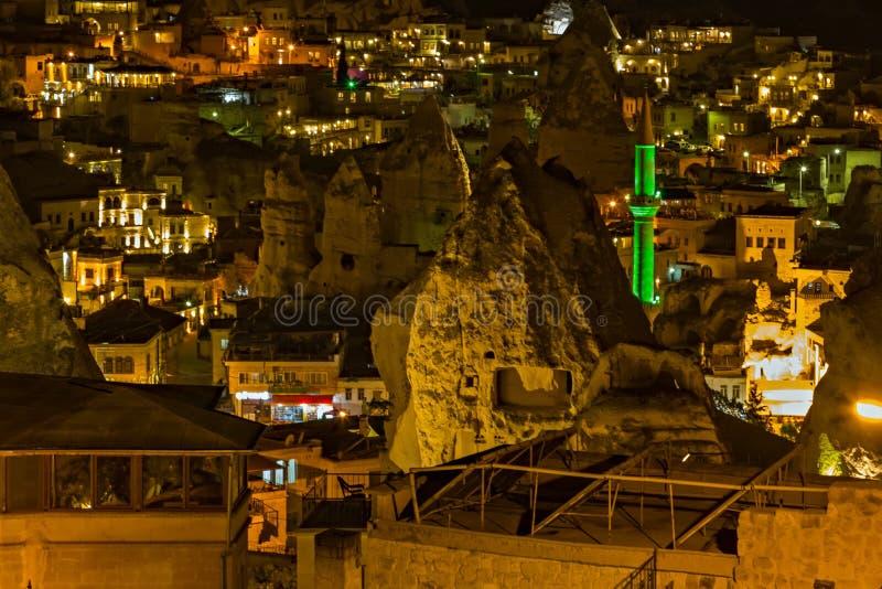 Goreme-Nachtzeit-Felsen?ko-haus, Hotelh?hlenstadt Cappadocia, die T?rkei, Anatolien lizenzfreie stockfotos