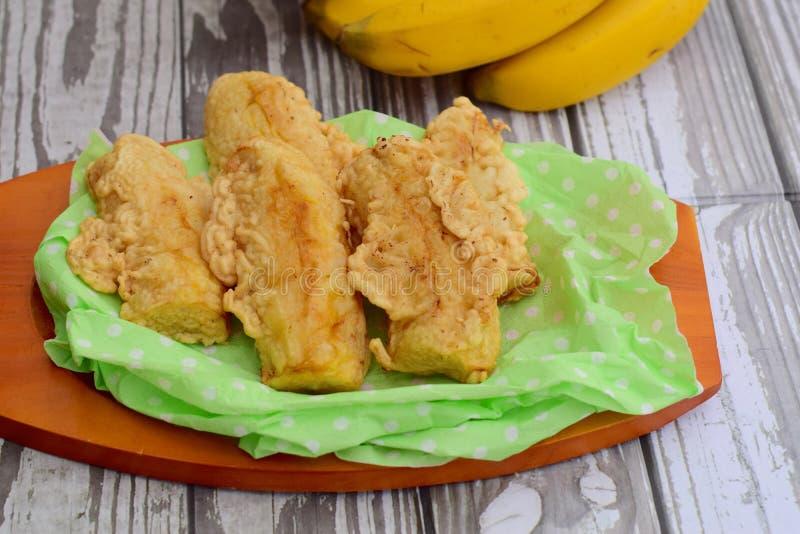 Goreng Pisang или зажаренный банан стоковые изображения