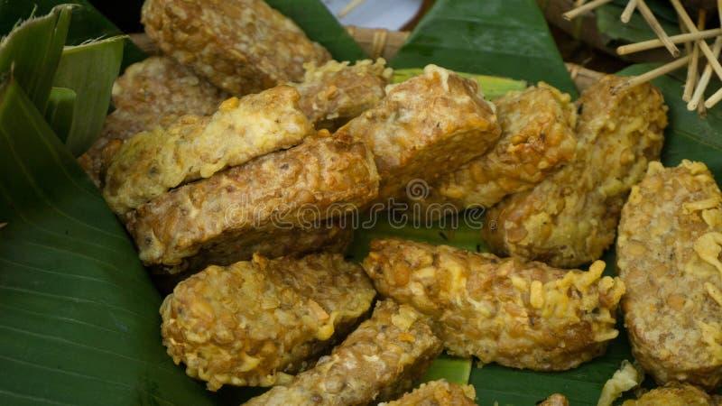 Goreng Tempe или зажаренная еда tempeh традиционная стоковое фото