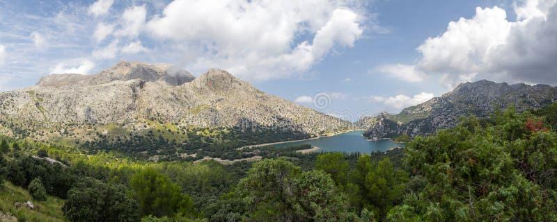 Gorg Blau湖在马略卡的塞拉de Tramuntana山 库存照片